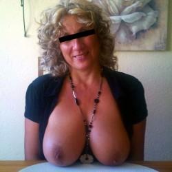 Sylvie MILF au telephone rose